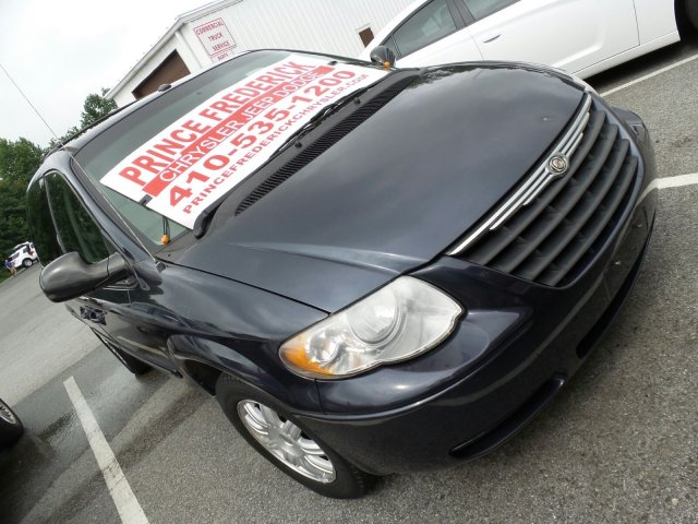 Used Chrysler Town & Country LWB Touring